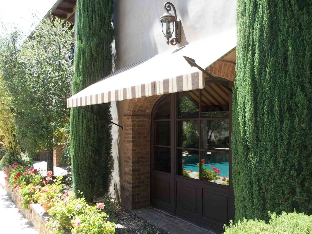 DECORATIVE SPEAR AWNINGS BY THE AWNING COMPANY 21